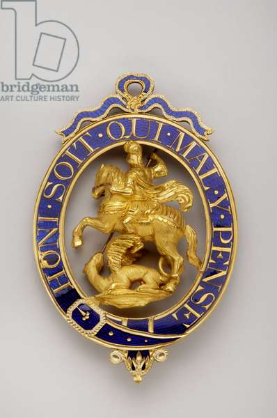 "United Kingdom - Order of the Jarretiere: Little Georges (former collection of the Dukes of Beaufort) - Reverse - Motto """" Honi soit qui mal think"""" - Early 19th century - Gold and Emaux - H 8.1 cm; w 5.6 cm; weight: 80 g - Private collection"
