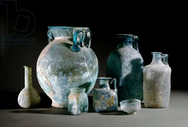 Roman art: pots, decanters, cups, vases and glass cups from Pompei. 1st century Museo Archeologico Nazionale, Naples