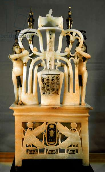 Egyptian antiquite: albaster perfume vase in the shape of Sema-Tauy (Sama Tauy, Sema-Taouy, Sema Taouy) signifying the union of Upper and Lower Egypt. From the treasor of Tutankhamun (all-Ankh-amun or Tutankhamun) (1345-1327 BC) 18th dynasty. found in the Valley of kings, Thebes. 1342 BC. Sun. 75 cm Cairo, Egyptian museum