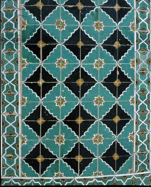 Detail of the ceramic tiles on the exterior of the Blue Mosque (photo)