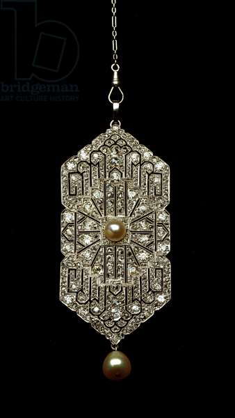 Fashion 1920: platinum pendant and diamonds. 1920-1925 Private collection - 1920s Fashion: platinum and diamond pendants. 1920-1925. Private collection