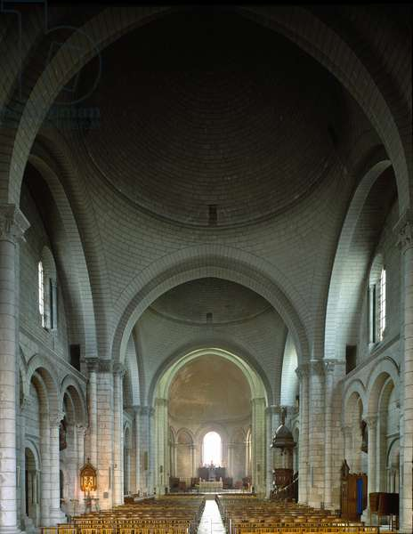 Internal view of the Cathedral, 1105 (photography)