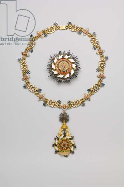 Thailand - Order of the Royal House of Chakri: plaque, necklace and pendant, belonging to Victor Emmanuel of Savoy Aosta (Vittorio Emanuele) (1872-1946), Count of Turin - beginning of the 20th century - Gold, silver, diamonds and emals - Necklace: L 57 cm; weight: 110 g - Plaque: D: 7.3 cm; weight: 80 g - Pendant: H: 9.5 cm; W: 5 cm; Weight: 40 g - Private collection