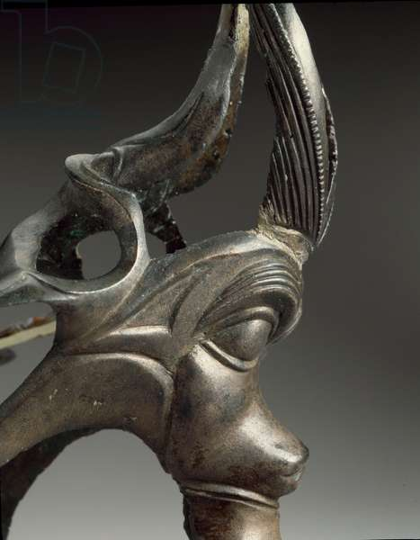 Decorative element of a jug in the shape of a fantastic creature head. 3rd century BC (bronze)