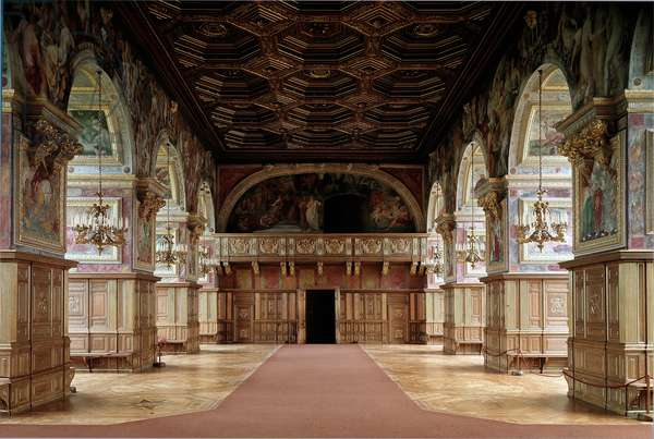Renaissance architecture: view of the ballroom decorated with mythological representations by Niccolo dell'Abate (1509-1571) based on drawings by Primaticcio (1504-1570/1552-1556. Chateau de Fontainebleau, Seine et Marne - Fontainebleau Castle. 16th century Dance hall (1552-56). The walls are frescoed with mythological scenes by da Niccolo dell'Abate (1509-1571)