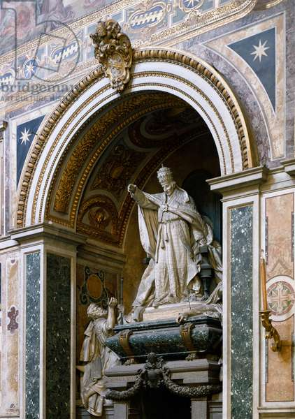 View of the monument dedicated to Pope Leon XIII (1810-1903) made by Giulio Tadolini (1849-1918), 1907. Basilica of St. John of Laterano (San Giovanni in Laterano), Rome