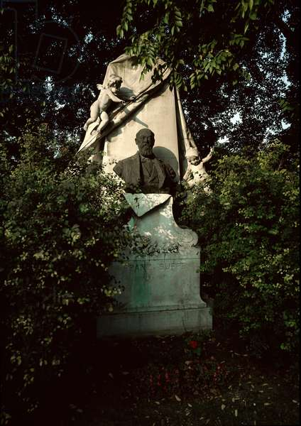 View of the tomb of the Austrian composer and conductor Franz von Suppe (1819-1895) at the central cemetery of Vienna (Zentralfriedhof), Austria