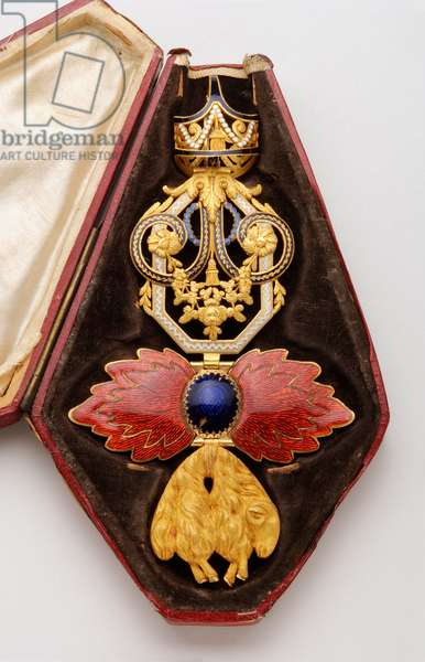 Order of the Golden Fleece: Spanish Golden Fleece - Badge belonging to Joao VI of Bragance (John VI known as the Clement) (1767-1826), King of Portugal (1816-1826) - End of the 18th century - Gold and emals - H 13 cm; w 7.1 cm; weight: 98 g - Original case in red maroquin, silk and silk velvet - Special collection ere