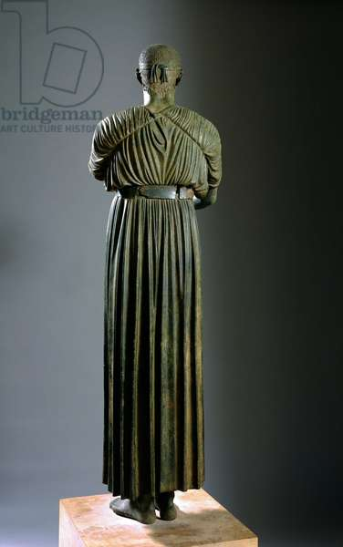 """Greek Art: """""""" The Aurige of Delphi or Heniokhos"""""""" She represents a tank driver - Bronze sculpture, Towards 470 BC, Dim. 180 cm - Athenes, archeological museum - The Charioteer of Delphi also known as Heniokhos (Back view) - Bronze sculpture (H. 180 cm), c.470 BC, From Delphi, Greece - National Archaeological Museum, Athens"""