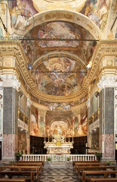 Interior of the Church of San Luca, The main altar with the statue of the Immaculate