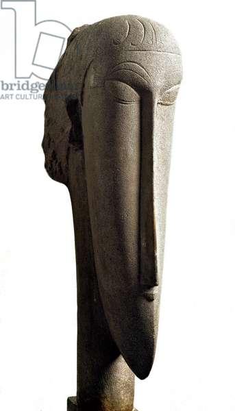 Testa. Head. Sculpture by Amedeo Modigliani (1884-1920), 1913. Paris, National Museum of Modern Art