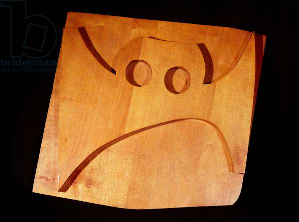 Mask of carved wood. Relief by Hans Arp (Jean Arp) (1887-1966) 20th century Paris, private collection