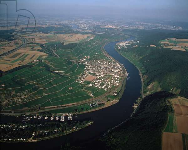 Aerial view of the valley with Winnigen town and Koblenz in the background, 1990 - Photography