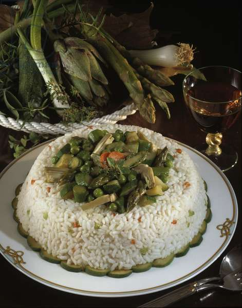 Still life, food, rice timballo with vegetables (still life, food, rice timballo with vegetables) Photography