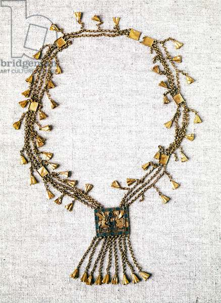 Egyptian antiquite: gold necklace of Pharaoh Pinedjem. 21st dynasty (ca. 1069-945). Paris, Louvre Museum