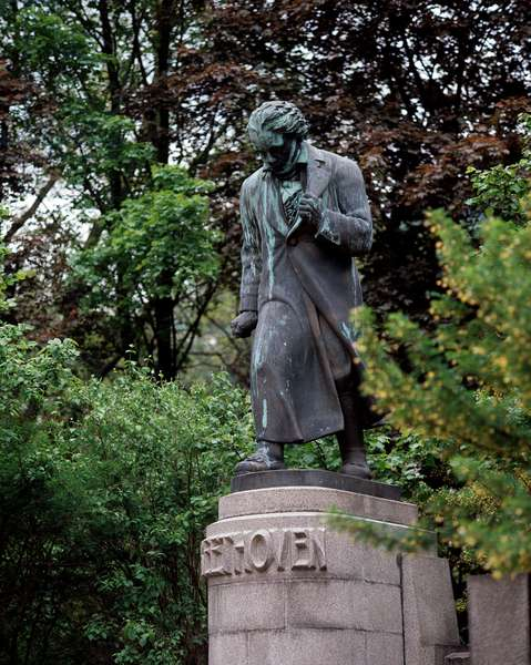 Monument to the composer Ludwig van Beethoven (sculpture)
