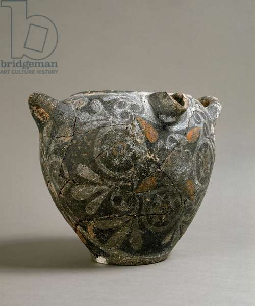 Greek art: ceramic jar in the style of Camares. From Cnossos. 1900-1700 BC. Heraklion, Archeological Museum