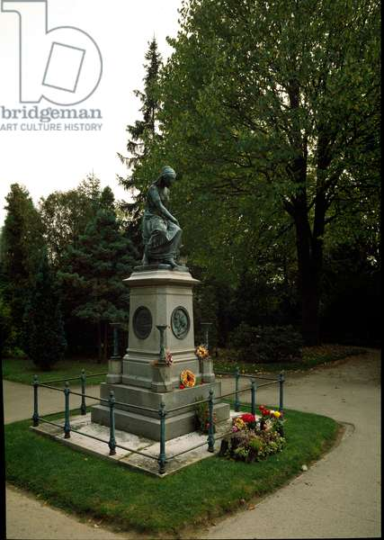 Monument in tribute to the Austrian composer Wolfgang Amadeus Mozart (1756-1791). Vienna, Zentralfriedhof, Austria