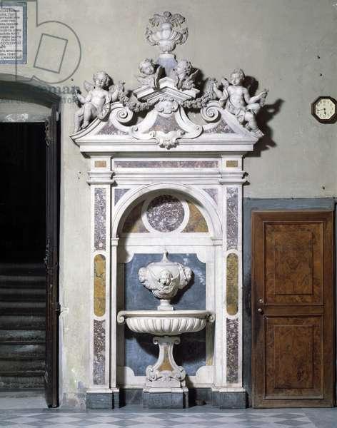 Marble sink fountain made by Gioacchino Fortini (1671-1736) (Washbasin in the Sacristy, by Gioacchino Fortini) Florence, Sacristy, Basilica Santa Maria Novella Italy