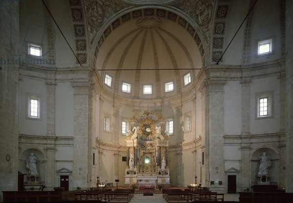 Interior view of the church of Santa Maria della consolazione projected by Bramante (1444-1514) and realised by Baldassare Peruzzi (1481-1536), Jacopo Vignola (1507-1573) and Ippolito Scalza (1532-1617), Todi (Interior view of the church of Santa Maria della Consolazione in Todi, projected by Bramante and built by Peri Scalza and Vignola, Todi, Italy)