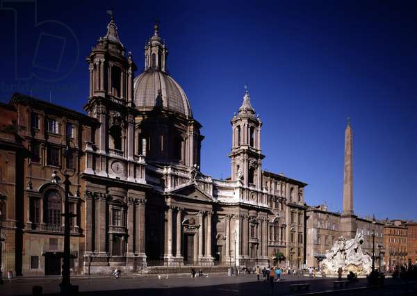 View of Piazza Navona (Piazza Navona) and the Church of St. Agnes en Agona (chiesa di Sant'Agnese in Agone) built by Francesco Borromini (1599-1667), Rome (View of Navona square with church st Agnese in Agone built by Borromini, 1653-1657) Rome Italy
