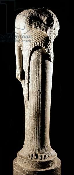 Greek Art: Kore (Core) dedicated by Cheramyes from the sanctuary of Hera (Samos) - Marble sculpture, Towards 570-560 BC, Dim. 1,92 m - Paris, musee du Louvre - Kore figure dedicated by Cheramyes to Hera - Marble sculpture (H.192 cm), from the sanctuary of Hera, in Samos, c.570-560 BC - Louvre Museum, Paris