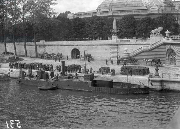 River gunboats moored at Paris, Pont Alexandre III, 1915 (b/w photo)