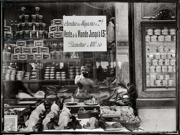 Paris, First Meat Regulation, c.1917 (b/w photo)