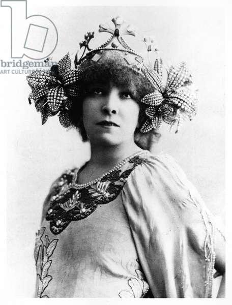 Sarah Bernhardt (1844-1923) in 'La Princesse Lointaine' by Edmond Rostand (1868-1918) at the Theatre de la Renaissance, Paris, 1895 (b/w photo)