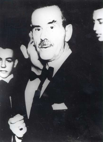Thomas Mann (b/w photo)