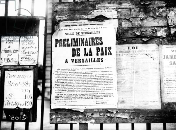 Poster announcing the preliminary talks of the Peace Conference which led to the Treaty of Versailles, Versailles, 1919 (b/w photo)