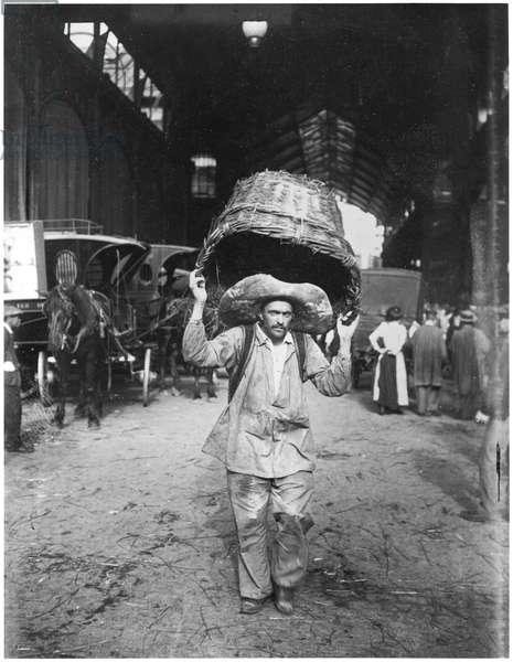 A market porter at Les Halles, Paris, c.1900 (b/w photo)