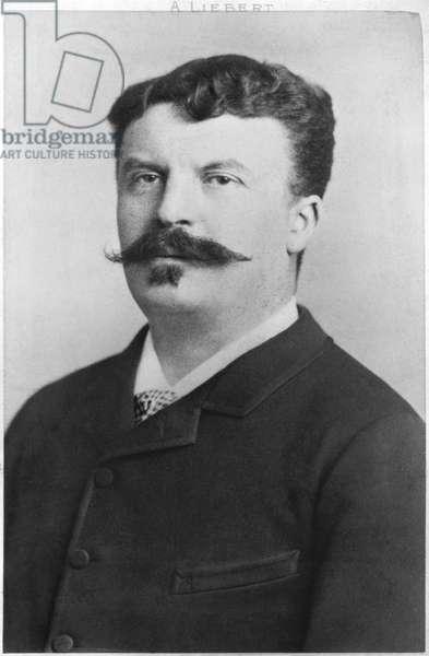 Guy de Maupassant (1850-93) (b/w photo)