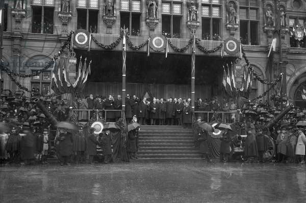 Raymond Poincare and Georges Clemenceau on the official stand recreated from the one built for the Volunteers of 1792, during the parade Place de l'Hotel de Ville, Paris, 20th October 1918 (b/w photo)