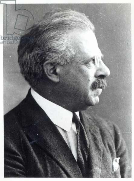 Gustav Hertz (b/w photo)