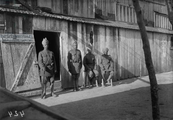 Indian guards at the camp, c.1915 (b/w photo)