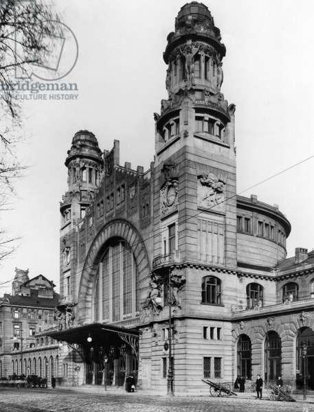 Central station, Prague, c.1910 (b/w photo)