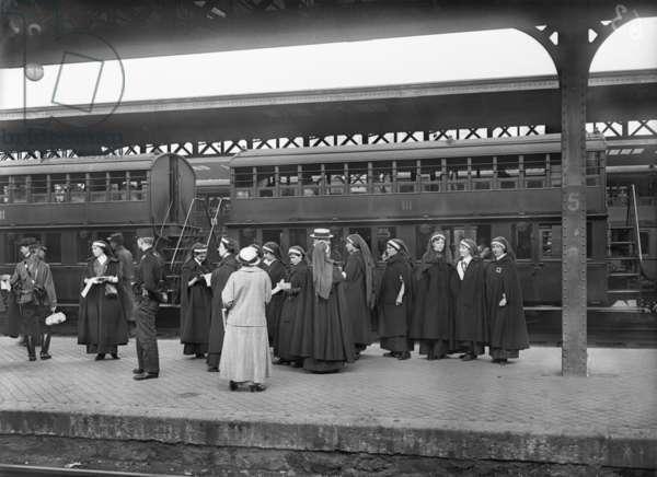 Staff of the Red Cross leaving, Paris, 1914 (b/w photo)