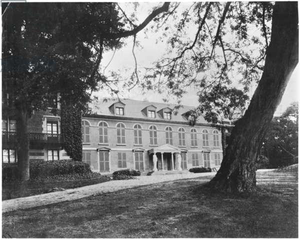 The Vallee-aux-Loups at Chatenay-Malabry, where Francois-Rene de Chateaubriand lived, c.1900 (b/w photo)