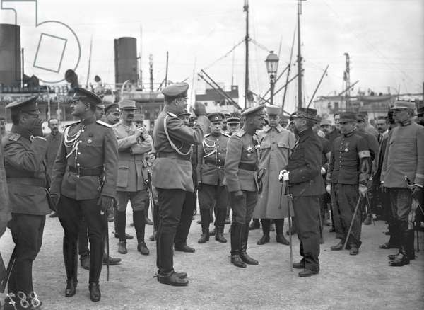 The Russian general and the French general Meunier at Marseille, 1916 (b/w photo)