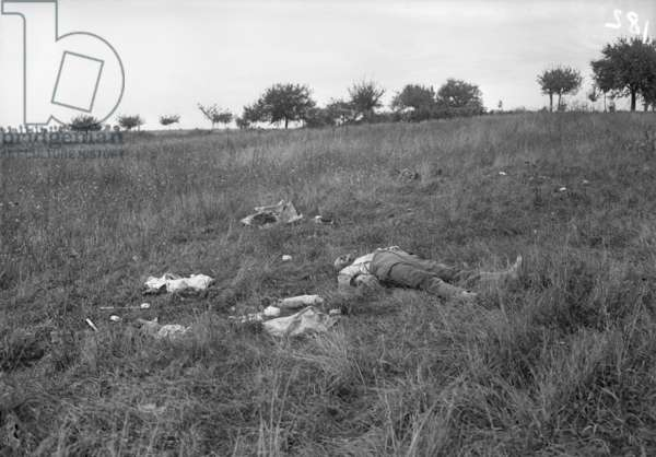 Corpse of a German soldier after the Battle of the Marne, 1914 (b/w photo)