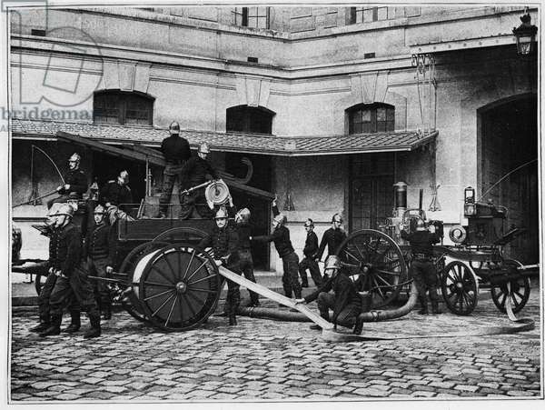 French firefighters at the beginning of the 20th century - photography, Bibl. des Arts deco.