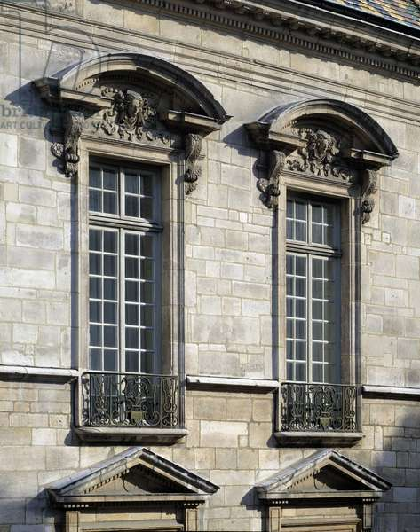 Baroque architecture: Hotel de Vogue (17th century), Dijon, Cote d'Or (21).