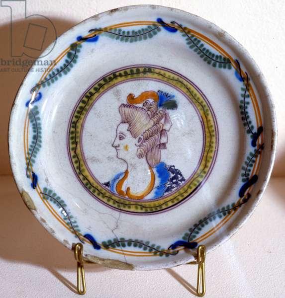 Portrait of Marie Antoinette - earthenware plate, 18th century