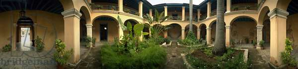 The Colonial Art Museum, Havana. 360-degree panoramic by Leonard de Selva, Cuba, 2001.