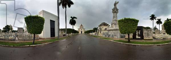 The central allee of the cemetery Christopher Columbus, on the right, the monument to the firefighters (May 1880), Havana. Photograph by Leonard de Selva, Cuba, 2001.