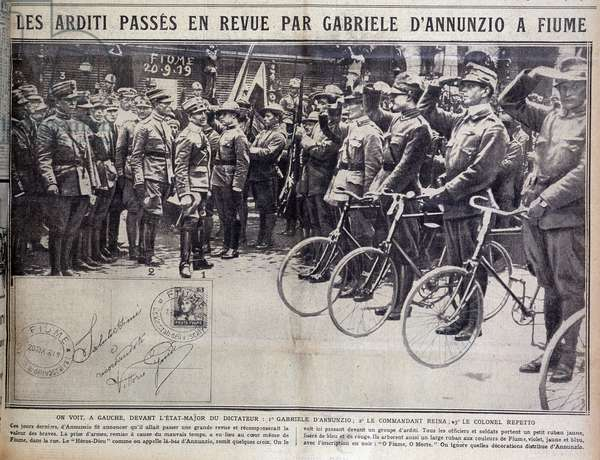 Les Arditi passes by Gabriele d'Annunzio a Fiume - in Excelsior, 1919