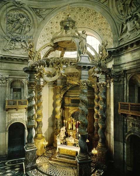 Interior of the Chapel of the Val de Grace: The canopy, Paris (France).
