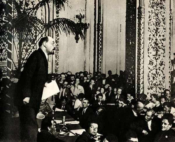 Lenin (Vladimir Ilyich Ulyanov said, 1870-1924) delivers a speech at the Third Congress of the Communist International in the Andreevsli Hall, Kremlin, Moscow, June-July 1921 -