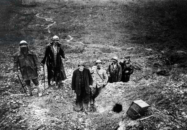 Visit to the Trenches of Clémenceau, September 15, 1917 - Musée Clémenceau.